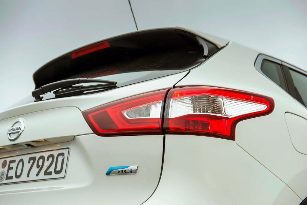 J11 Nissan Qashqai - taillight
