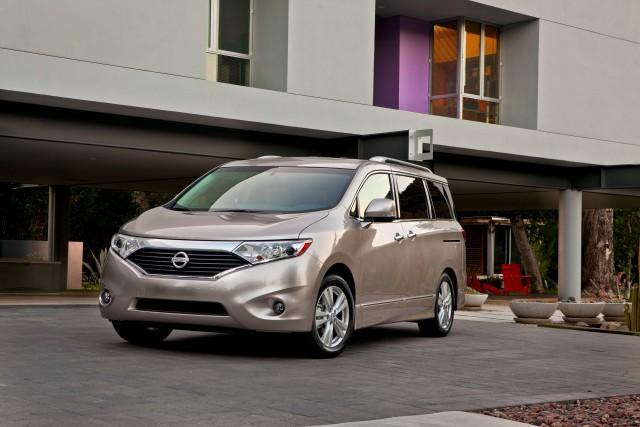2013 Nissan Quest - front