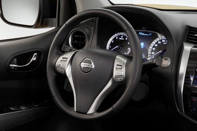 2018 Nissan Terra - steering wheel, instruments
