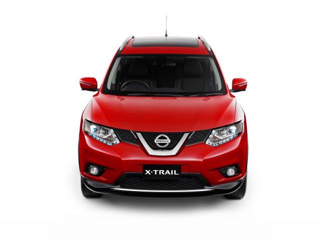 2014 Nissan X-Trail - front
