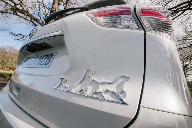 2017 Nissan X-Trail 4Dogs concept - badge