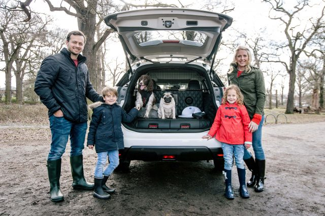 2017 Nissan X-Trail 4Dogs concept - family and their dogs