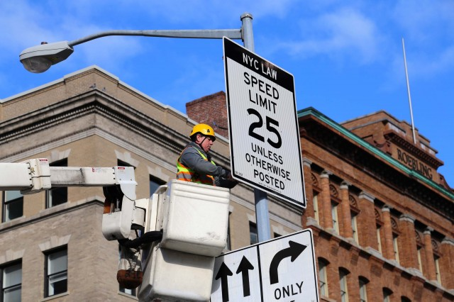 New York City 25mph default speed limit from November 7, 2014