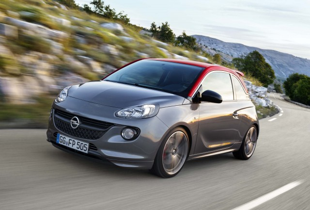 Opel Adam S - action shot front