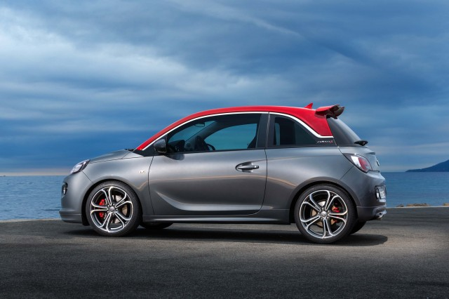 Opel Adam S - side