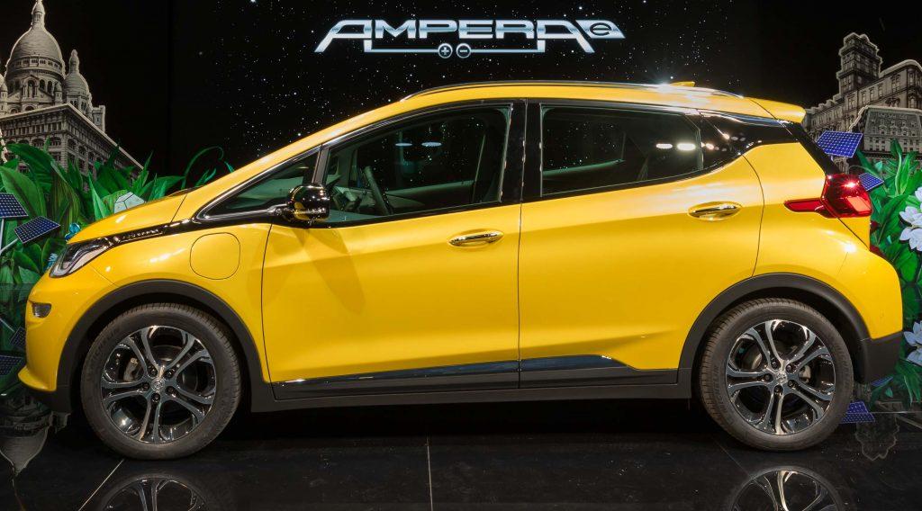 Opel Ampera-e - side, yellow
