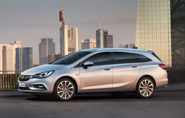 Opel Astra Sports Tourer K - side, profile