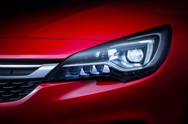 Opel Astra Sports Tourer K - headlights and grille