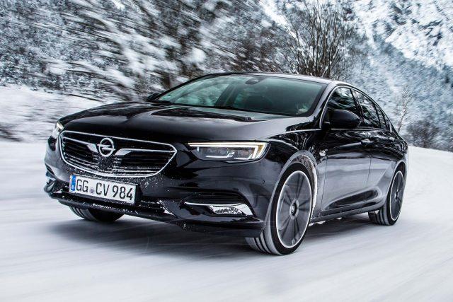 2017 Opel Insignia Grand Sport 4x4 - front, black, snow