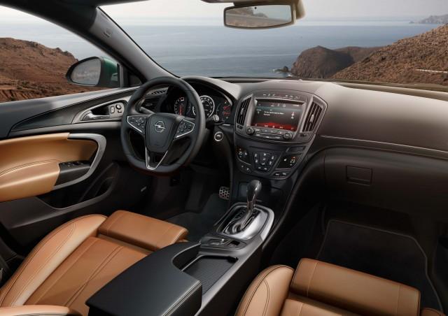 Opel Insignia (A) facelift - interior