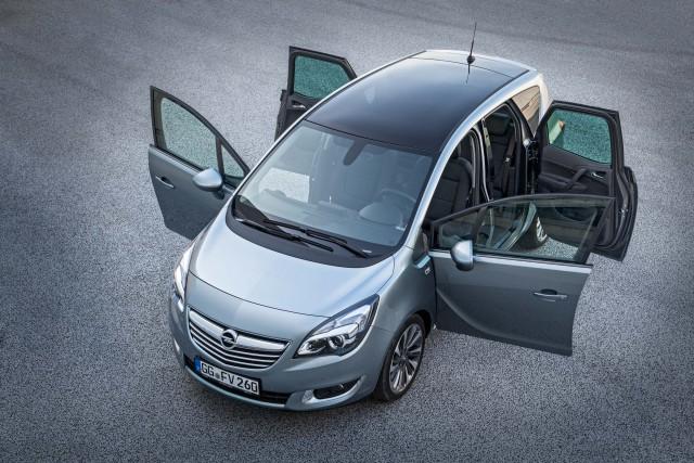 Opel Meriva B - doors open, suicide doors