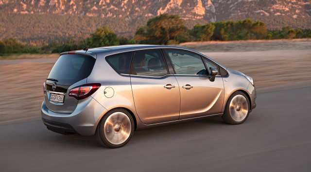 Opel Meriva B - rear profile