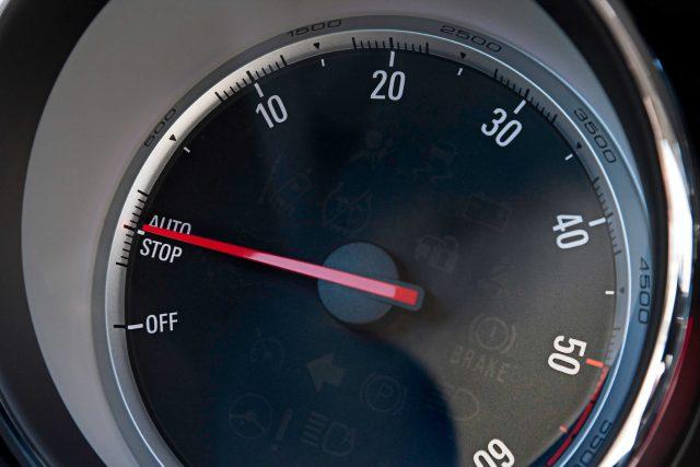 2012 Opel Mokka - tachometer