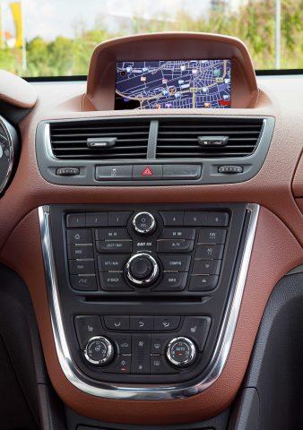 2012 Opel Mokka - Navi 600 screen and controls
