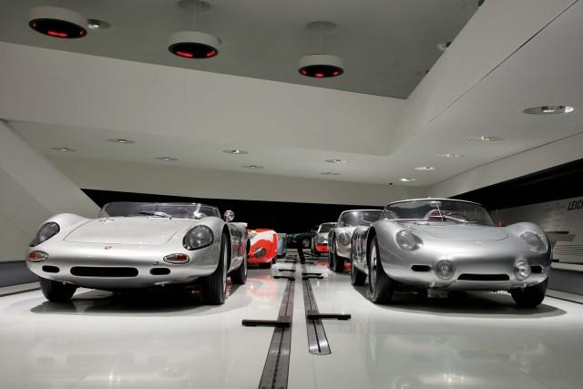 Porsche 718 W-RS Spyder, 1962 (left)