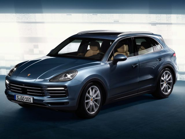 2017 Porsche Cayenne - front