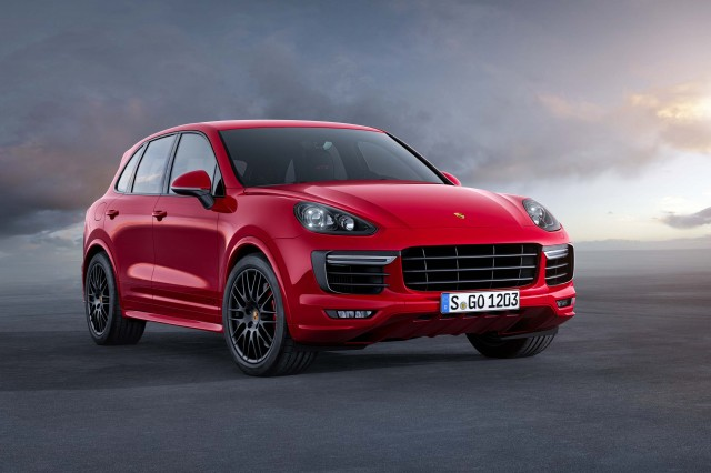 Second generation Porsche Cayenne GTS - front, static