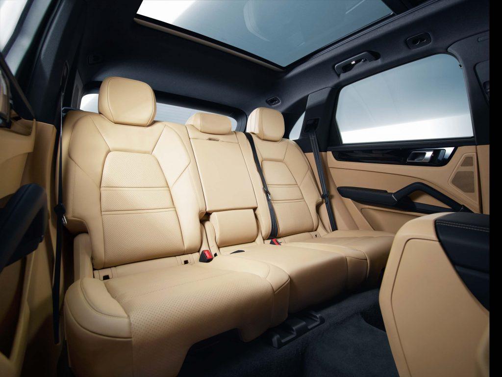 2017 Porsche Cayenne S - rear seats