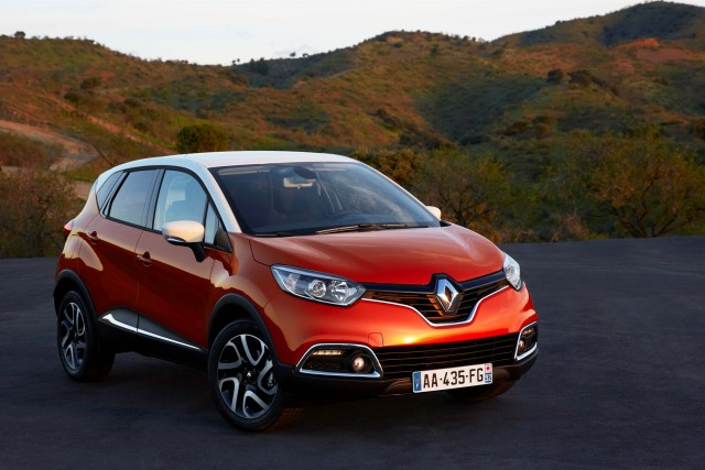 Renault Captur - front, orange
