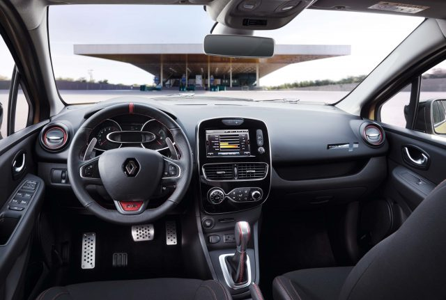 Renault Clio RS (IV facelift) - interior, dashboard