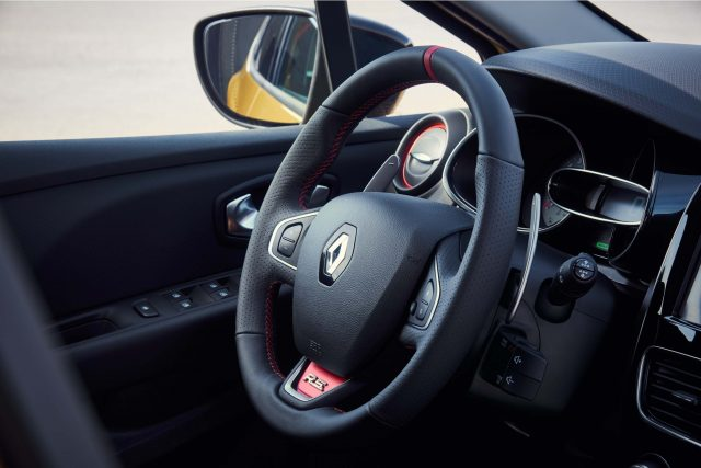Renault Clio RS (IV facelift) - steering wheel