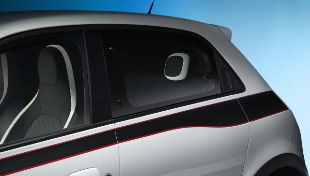 Renault Twingo III -rear window