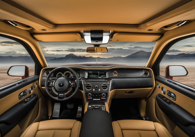 Rolls-Royce Cullinan - dashboard, interior, tan leather