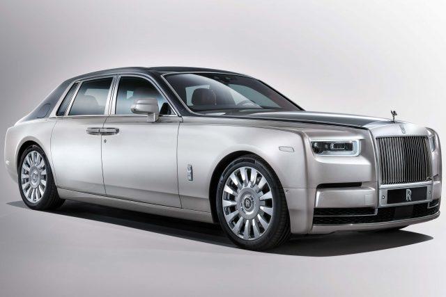 2018 Rolls-Royce Phantom VIII - front, silver, SWB