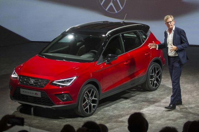 2017 Seat Arona FR - front, red, on stage, launch