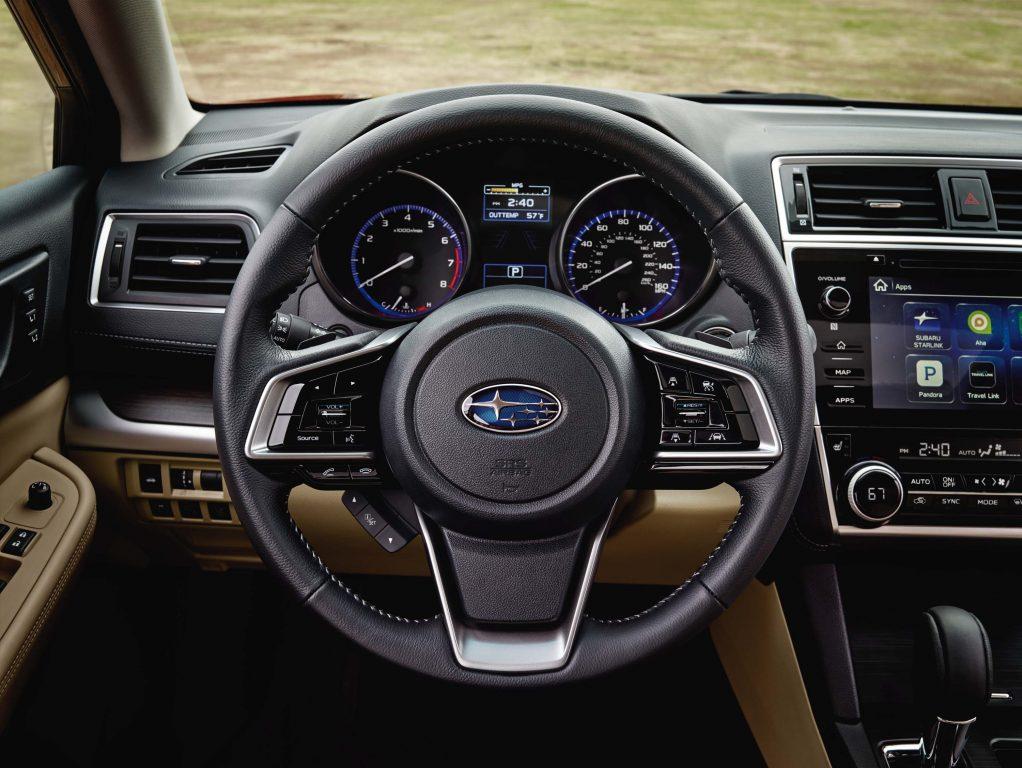 2018 Subaru Legacy facelift - new steering wheel