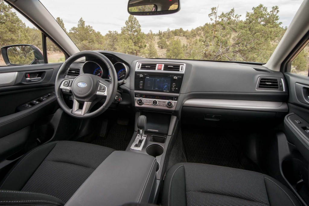 BS Subaru Outback - interior, dark