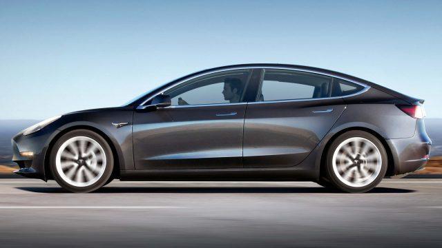 2017 Tesla Model 3 - side