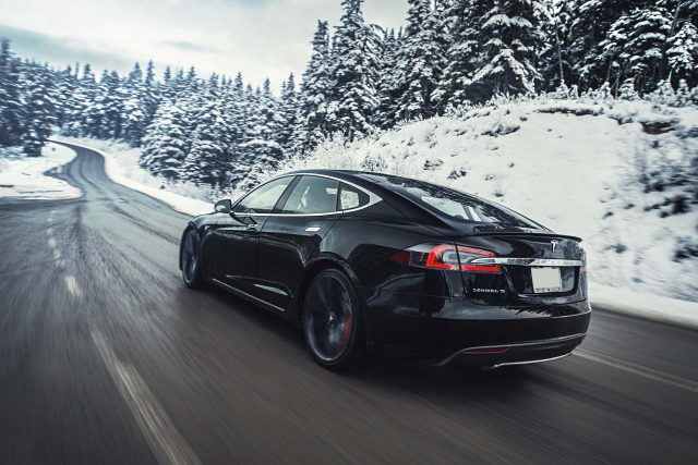 2016 Tesla Model facelift - in the snow