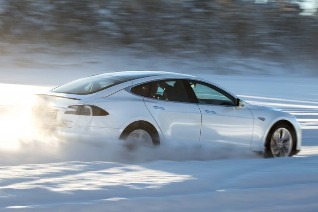 2016 Tesla Model facelift - drifting