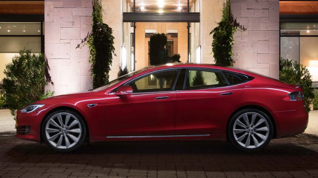 2016 Tesla Model facelift - red, side