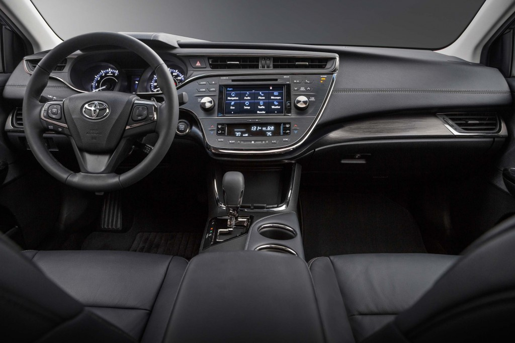 XX40 Toyota Avalon facelift - dashboard
