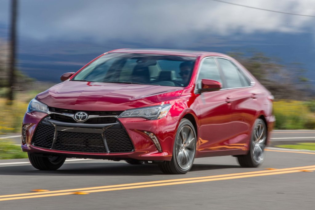 2015 Toyota Camry XSE - red, front