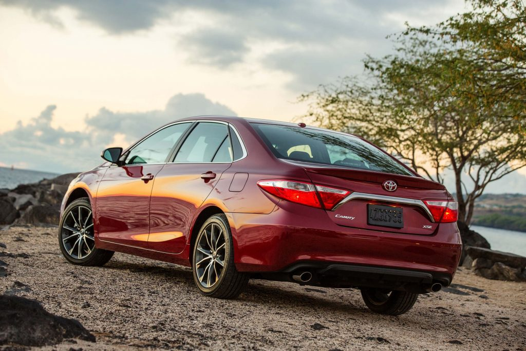 2015 Toyota Camry XSE - red, rear