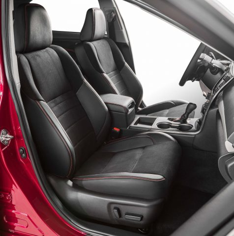 2015 Toyota Camry XSE - fornt seats