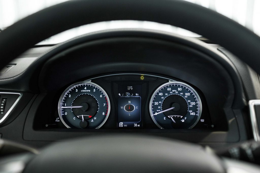 2015 Toyota Camry XLE - instruments