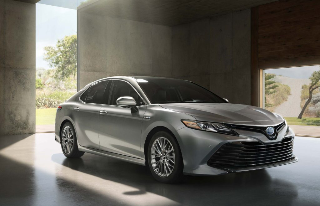 2018 Toyota Camry Hybrid - silver, front