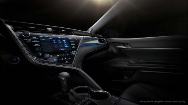 2018 Toyota Camry XSE - dashboard