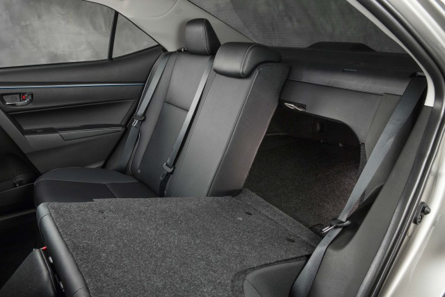 Toyota Corolla LE Eco - rear seats, half down, split fold