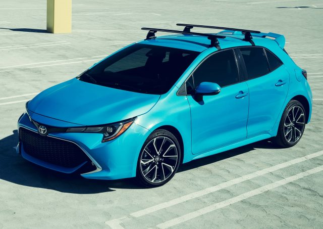 2019 Toyota Corolla hatch - front, blue
