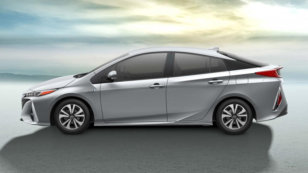 2017 Toyota Prius Prime - side