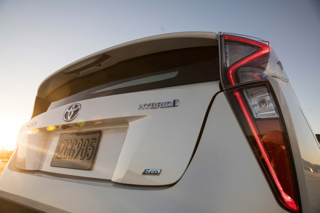 XW40 Toyota Prius (MY2016) - trunk, taillights