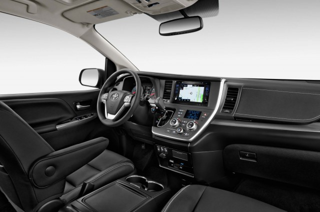 MY2015 Toyota Sienna dashboard