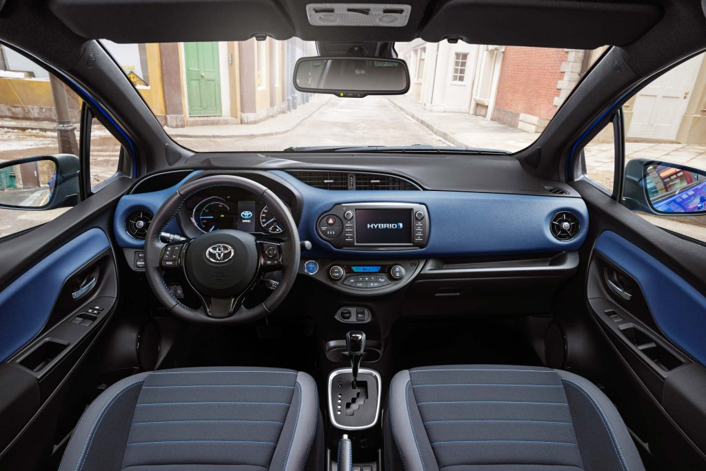 2017 Toyota Yaris facelift - interior, blue