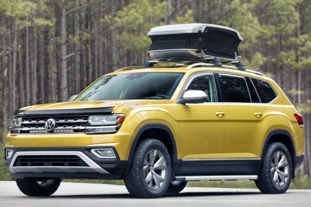 2018 Volkswagen Atlas Weekend Edition - front, yellow, roof carrier
