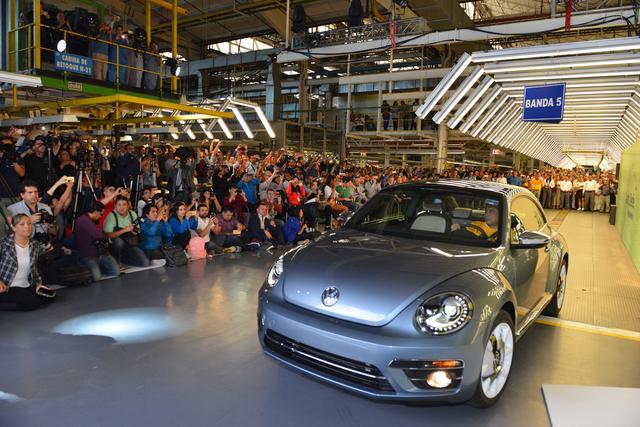 Volkswagen Beetle end of production, Puebla, Mexico